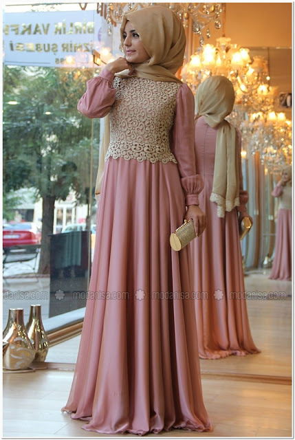 Gaun Pesta Wanita Muslimah Elegan