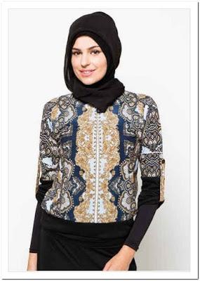 Atasan Batik Wanita Muslimah