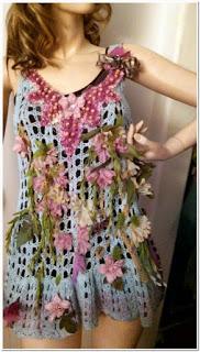 Baju motif bunga kecil