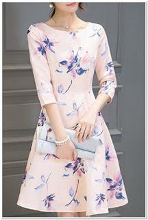 Baju motif bunga bunga kecil
