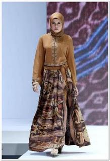 Model gamis batik kombinasi blazer remaja