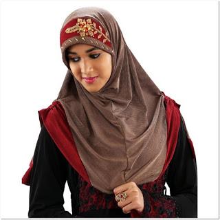 Model Hijab Cantik Dengan Renda Bordir Tempel