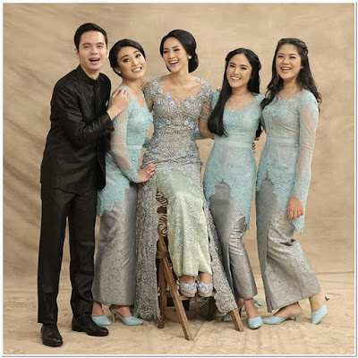 Contoh Model kebaya kondangan simple