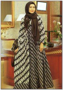 Model baju gamis batik kombinasi sifon