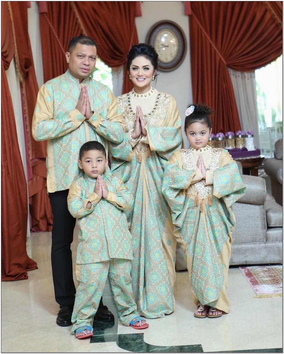 Model baju lebaran keluarga artis Krisdayanti