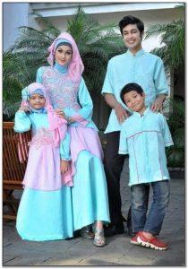 Model Kompak baju lebaran keluarga besar