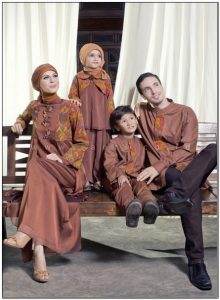 Koleksi Model baju seragam keluarga buat lebaran