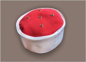Model Peci merah putih caknun