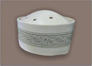Desain Peci uje putih motif